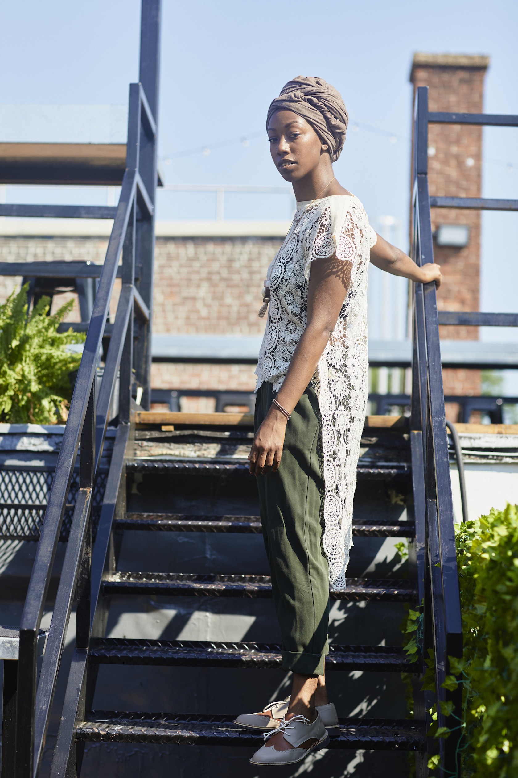 Casual professional outfit // A Week Of Outfits With Dominique Drakeford, Founder Of Melanin & Sustainable Style on The Good Trade