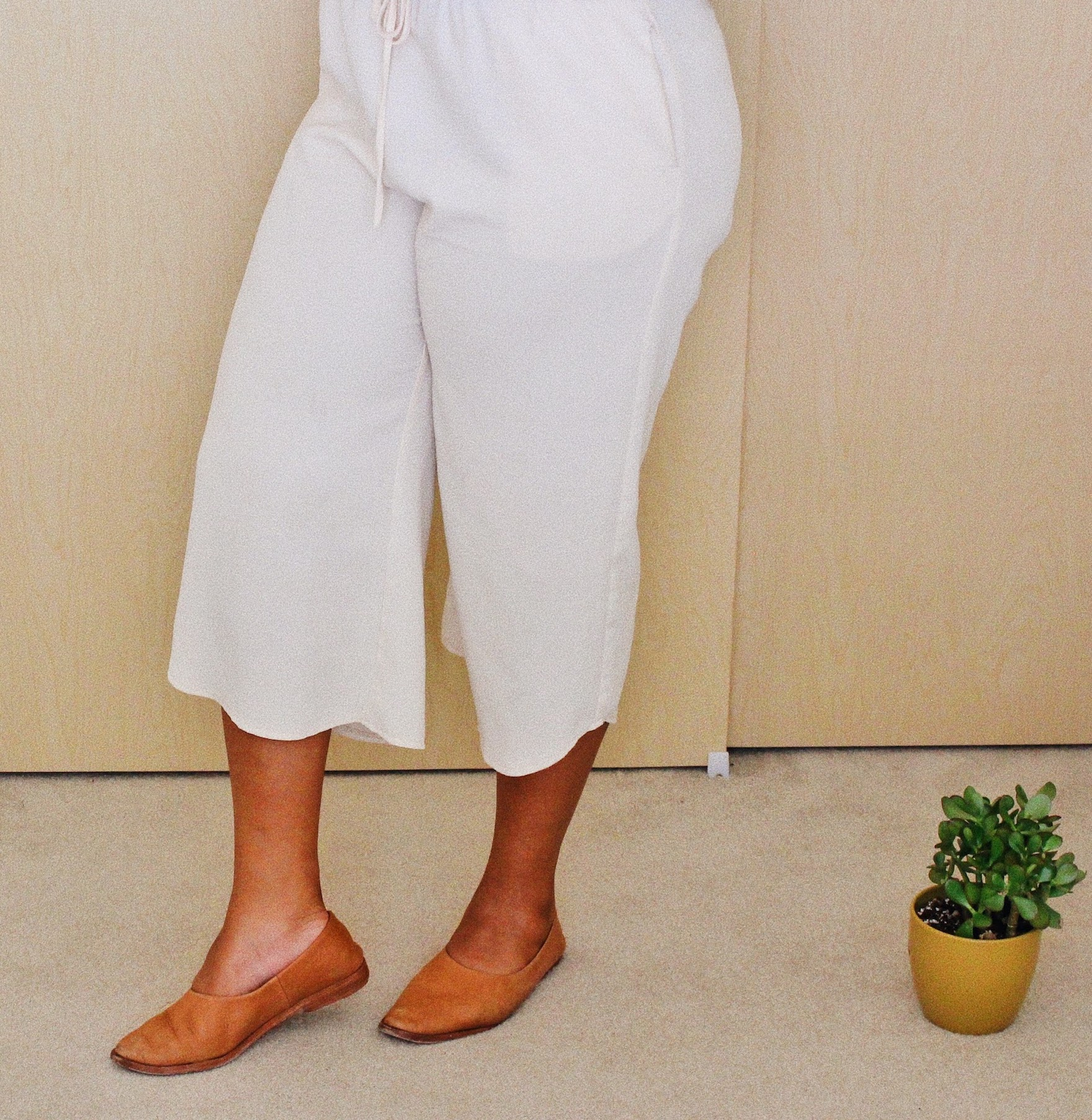 Cream culottes  // A Week Of Boho Minimalist Outfits With Deborah Shepherd From Clothed In Abundance on The Good Trade
