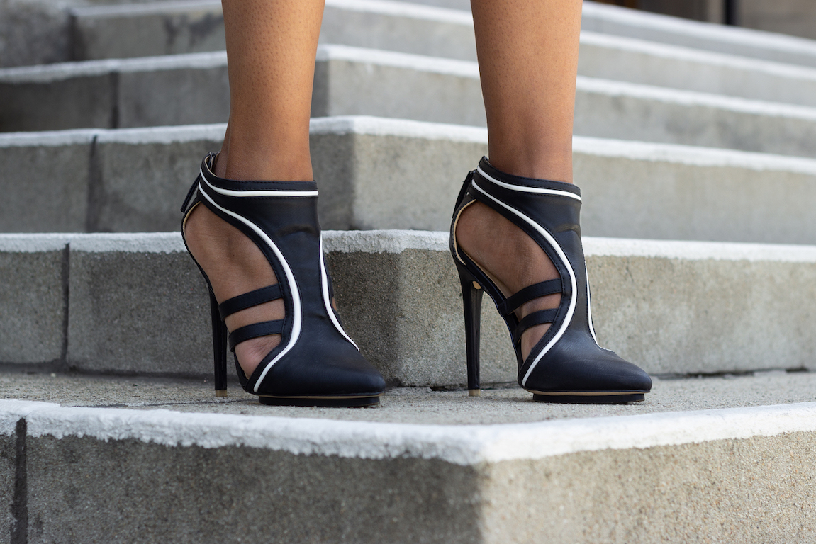 Black and white dramatic high heels // A Week Of Hollywood-Inspired Outfits With Conscious Style Blogger Jeneice Thompson on The Good Trade