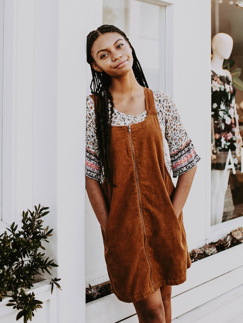 Cute back to school outfit idea // A Week Of 1970s-Inspired Outfits With Leah Thomas, The Sustainable Lifestyle Blogger Behind Green Girl Leah on The Good Trade