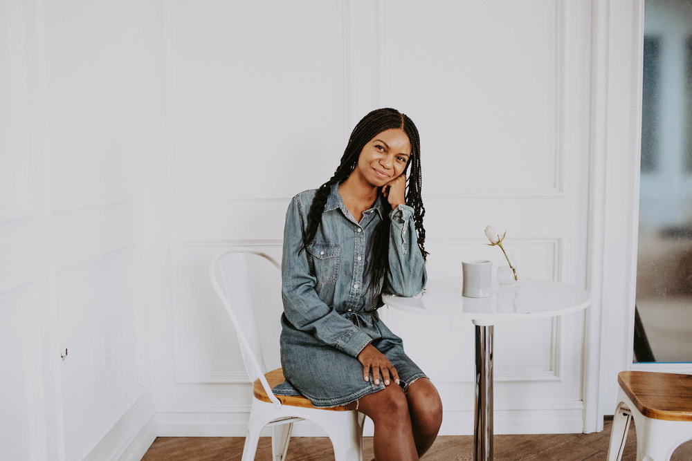 Thrifted chambray dress // A Week Of 1970s-Inspired Outfits With Leah Thomas, The Sustainable Lifestyle Blogger Behind Green Girl Leah on The Good Trade