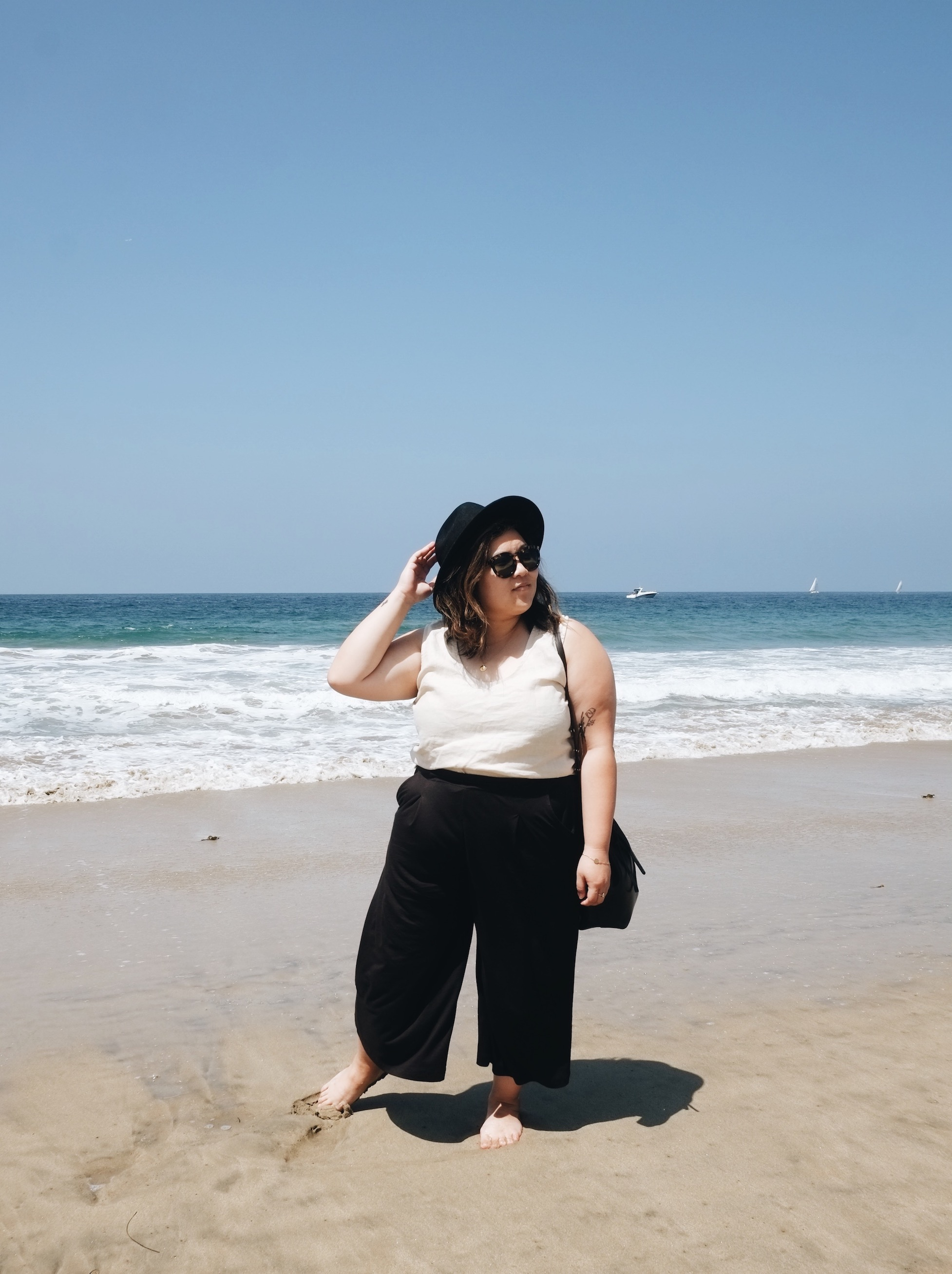 Minimalist beach outfit // A Week Of Minimalist Uniform Outfits With Jasmine Hwang From The Pleb Life on The Good Trade