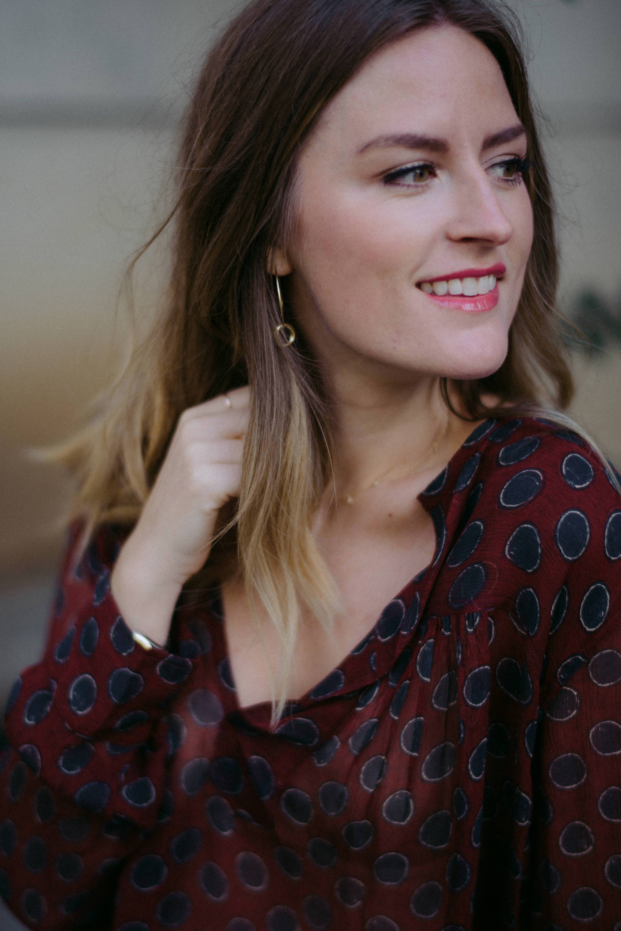 Gold double hoop earrings // A Week Of  Nashville-Chic Ethical Outfits With Jordan Soderholm, Fashion Director At ABLE on The Good Trade