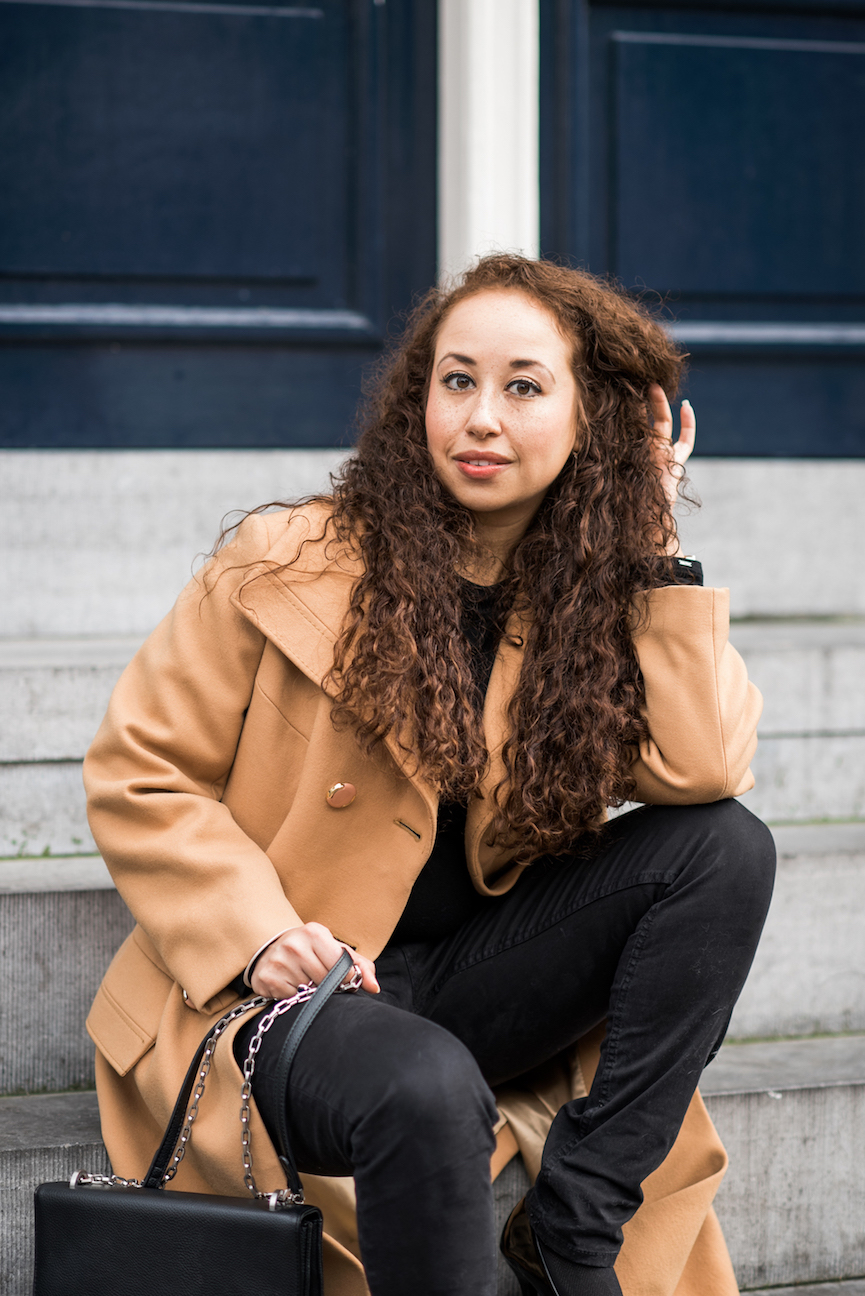 Brown and black winter outfit // A Week Of Modern & Cozy Fall Outfits With Lifestyle Blogger & Life Coach Hailey Noa on The Good Trade