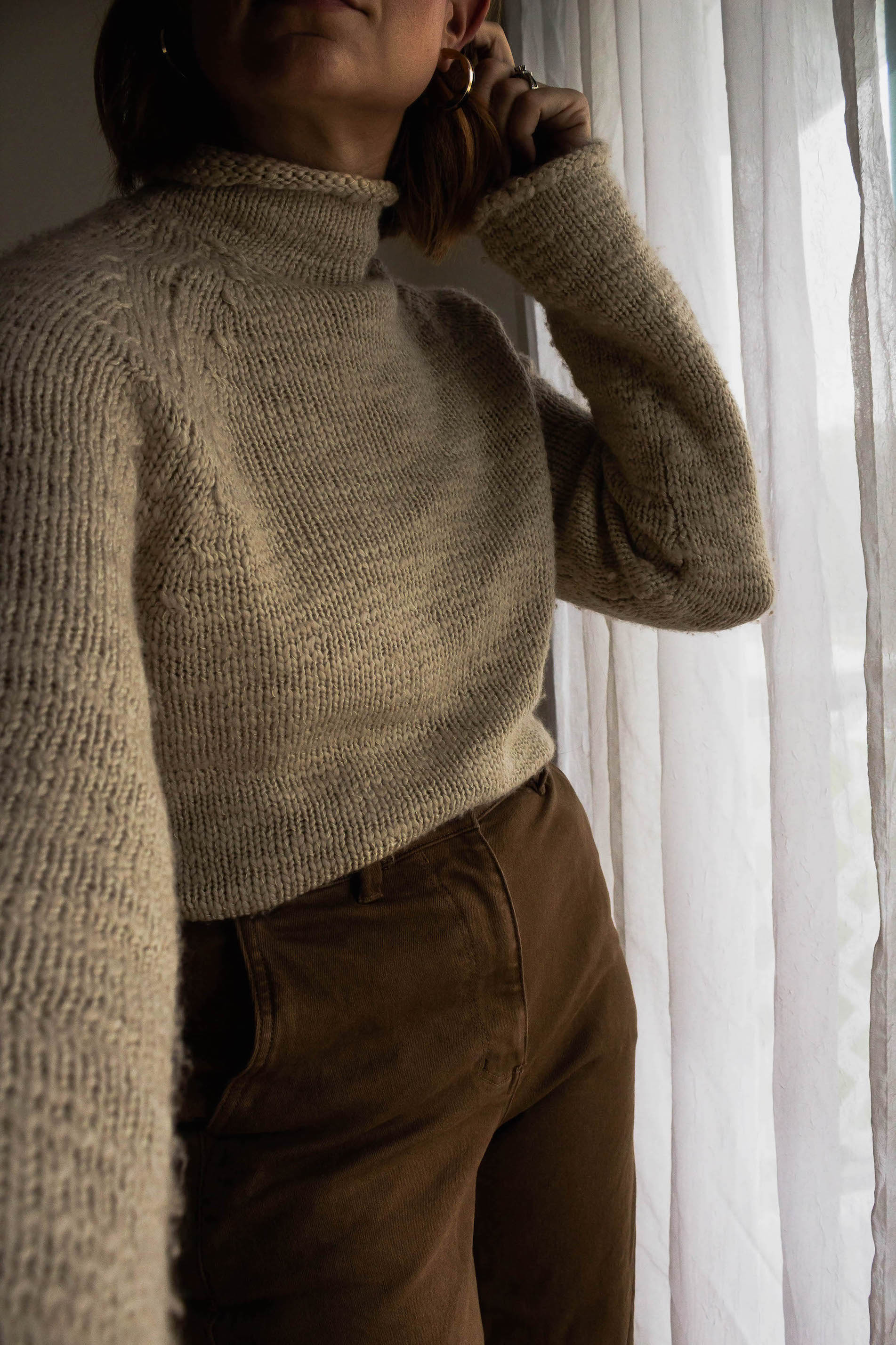 Vintage turtleneck sweater detail - A Week Of Easy & Sophisticated Outfits With Karin Rambo From Truncation on The Good Trade