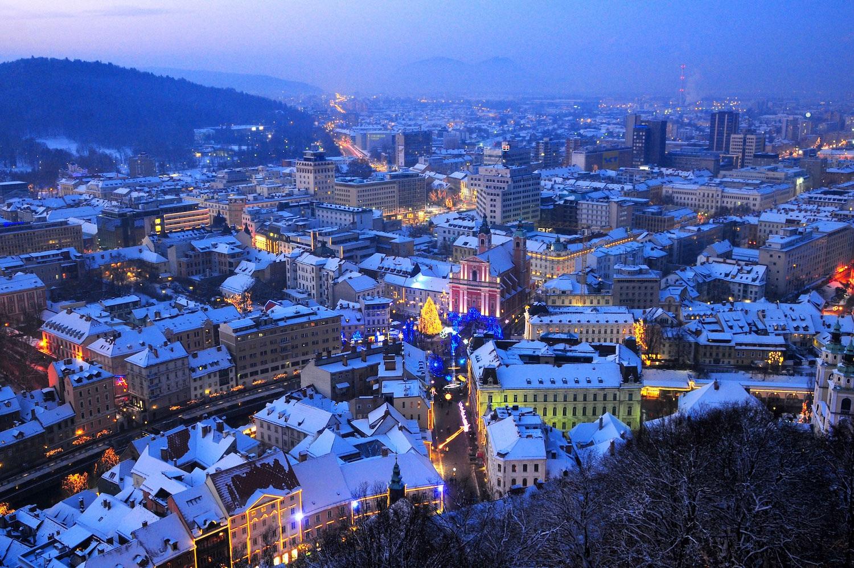 Christmas Market Tour in Ljubljana, Slovenia // Underrated Winter Travel Destinations