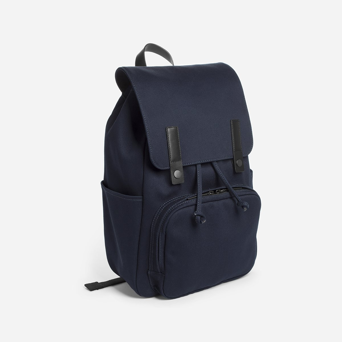 The Modern Snap Backpack | Everlane // Sustainable Valentine's Day Gifts For Men on The Good Trade