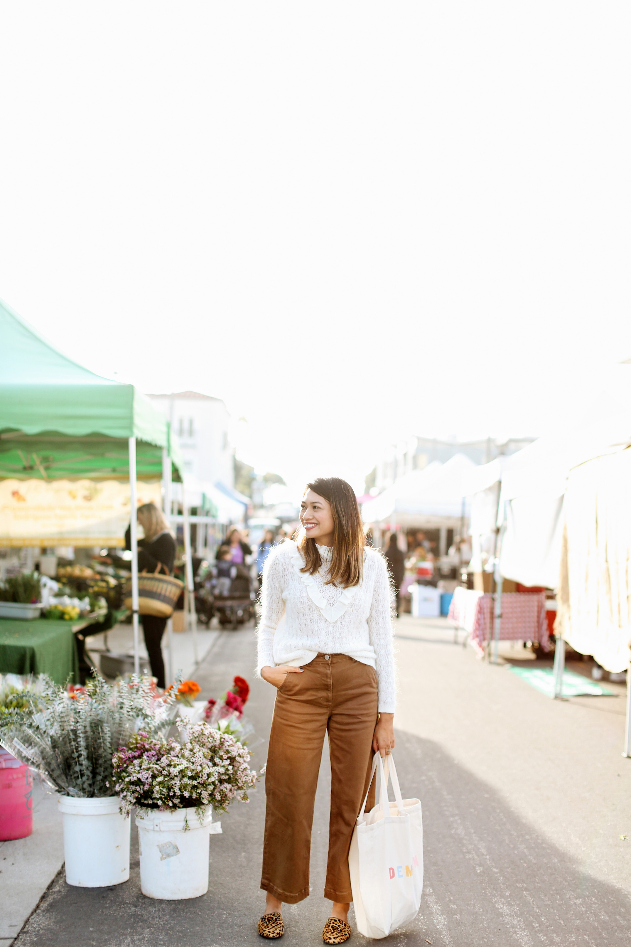 Farmer's Market outfit | A Week Of Polished & Professional Outfits With Sustainable Lifestyle Blogger Jonilyn Brown on The Good Trade