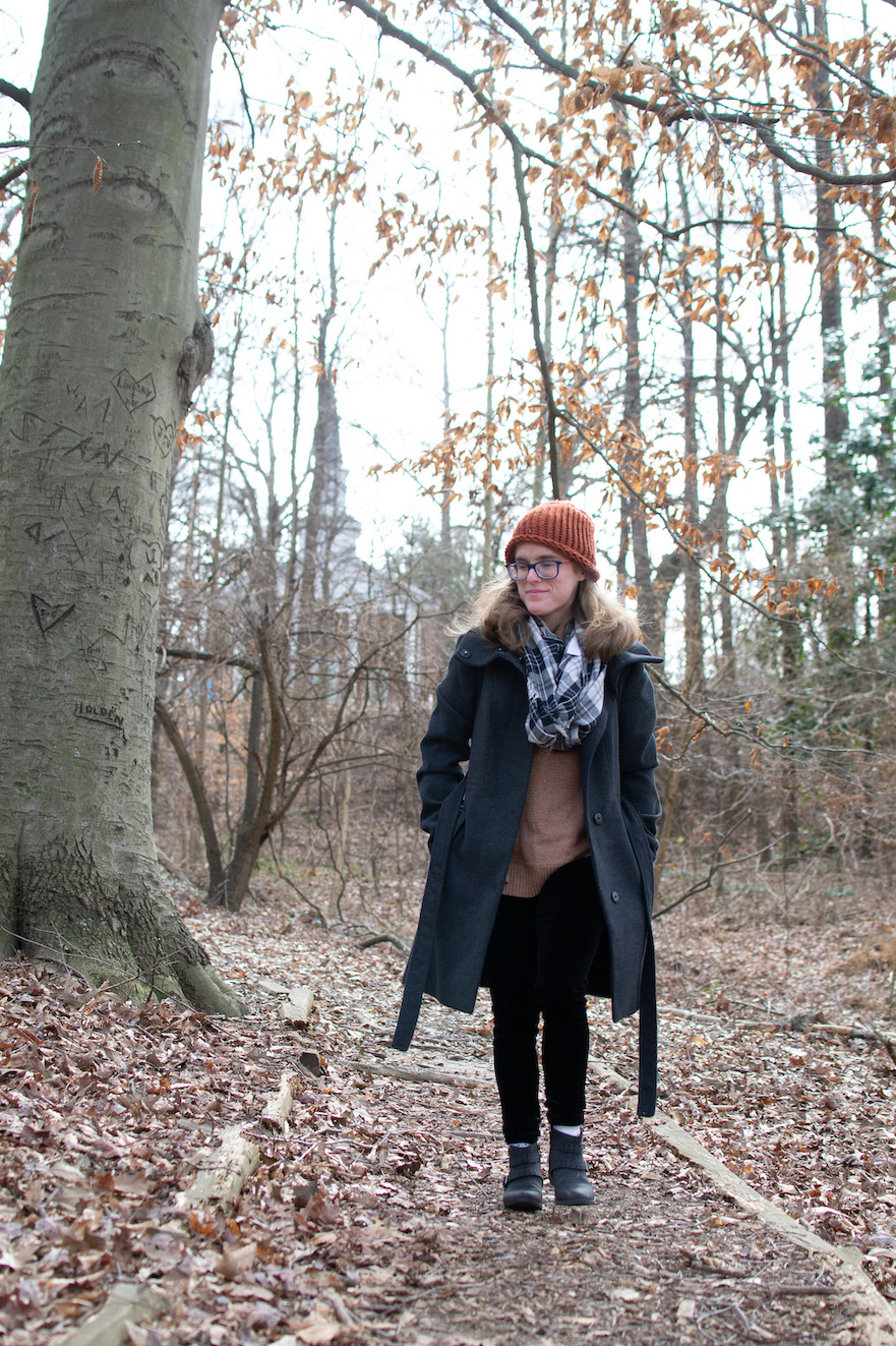 Cozy winter outfit idea // A Week Of Casual & Comfortable Secondhand Outfits With Lee Rogers From Layers Of Lee on The Good Trade