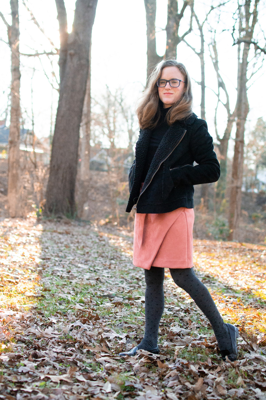 Pop of color winter outfit // A Week Of Casual & Comfortable Secondhand Outfits With Lee Rogers From Layers Of Lee on The Good Trade