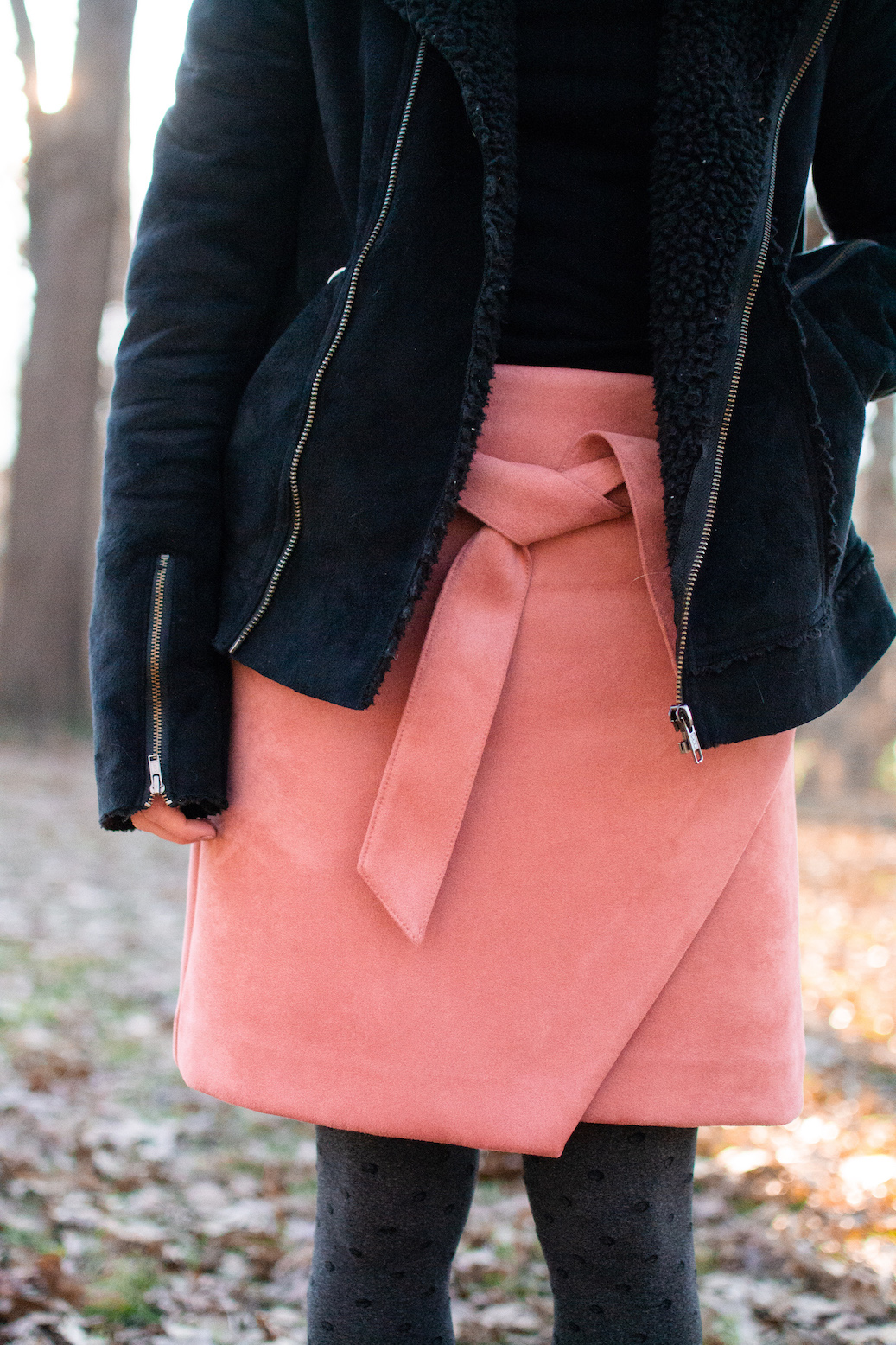 Tie-front skirt // A Week Of Casual & Comfortable Secondhand Outfits With Lee Rogers From Layers Of Lee on The Good Trade