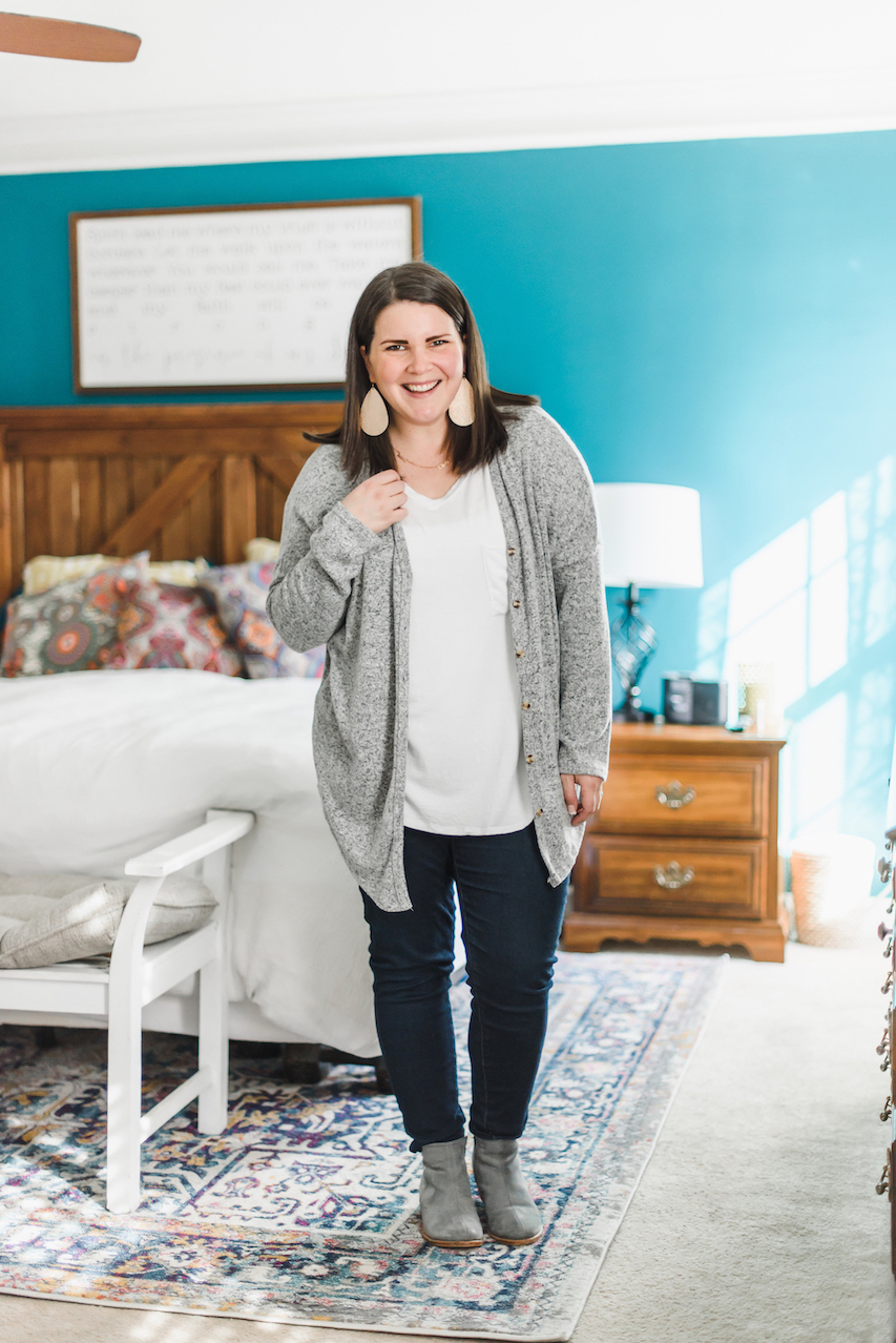Simple cardigan spring outfit // A Week Of Wearing Only 7 Pieces For 7 Days With Molly Stillman From Still Being Molly on The Good Trade