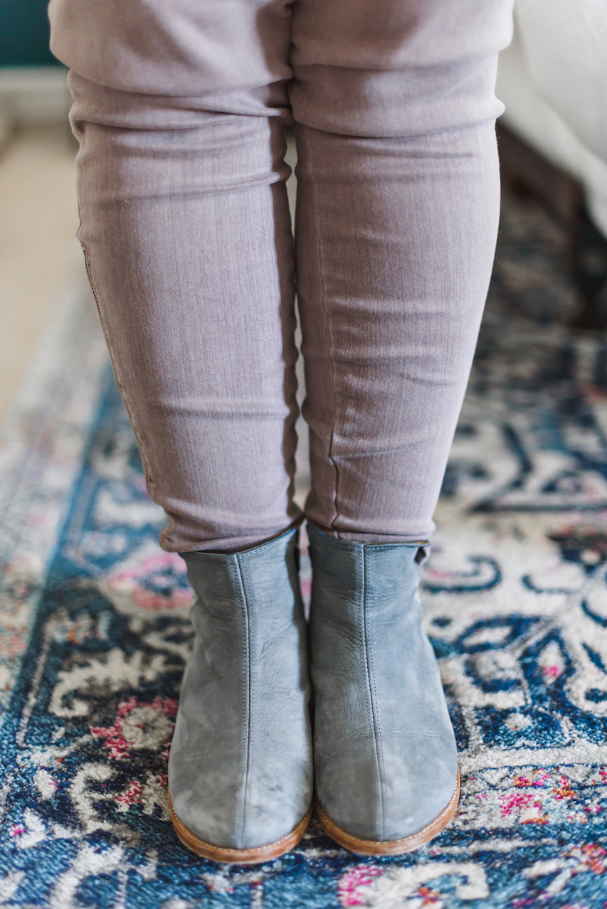 Grey boots detail // A Week Of Wearing Only 7 Pieces For 7 Days With Molly Stillman From Still Being Molly on The Good Trade