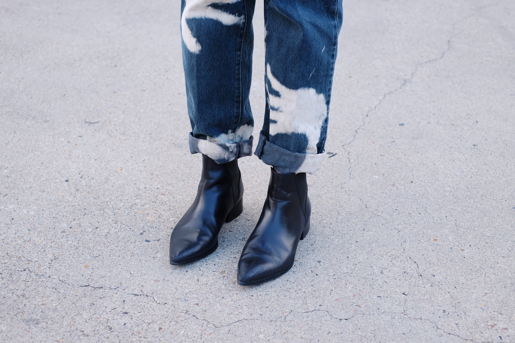 Pointed boots with denim // A Week Of Colorful & Creative Slow Fashion Outfits With Leah Musch From Un-Material Girl on The Good Trade