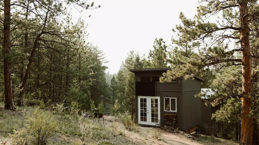 Where To Stay in Small Towns In The USA - Rustic Glamorous Artists Cabin in Buena Vista, Colorado
