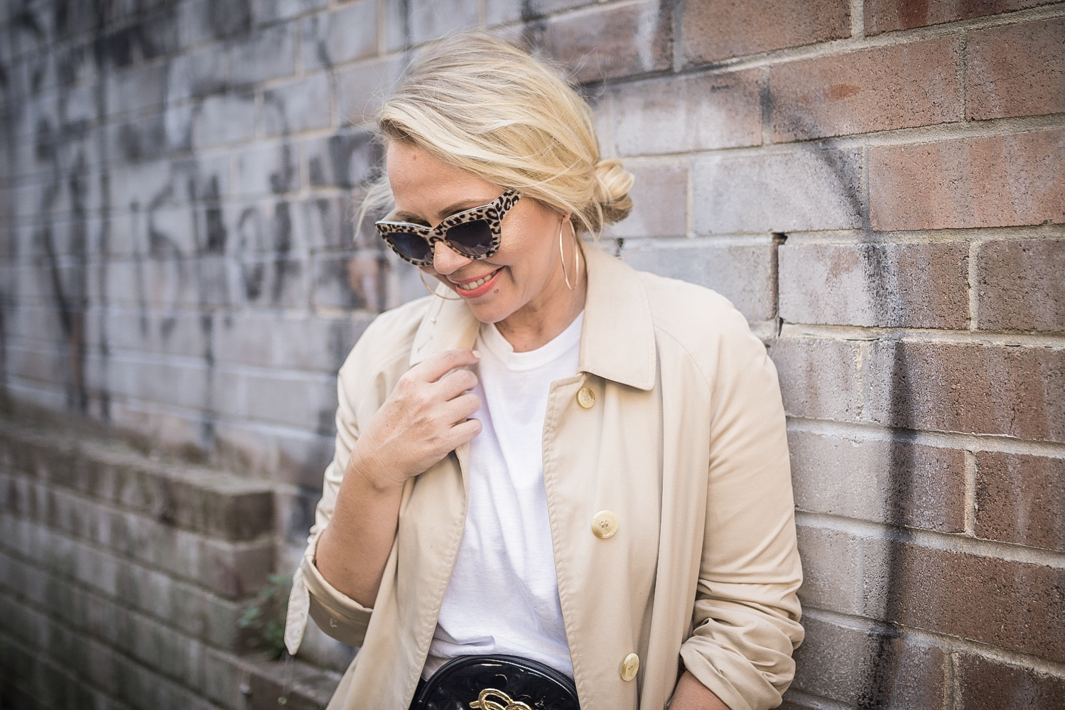 Classic trench coat outfit // A Week Of Designer-Inspired Salvation Army Finds With Faye De Lanty From Fashion Hound on The Good Trade