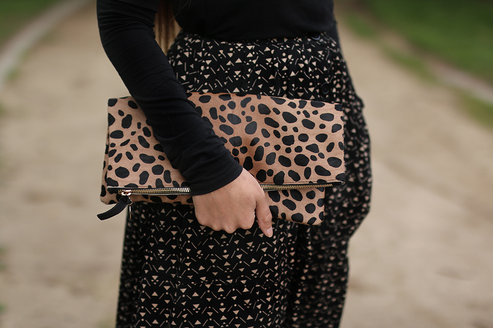 Leopard print accent clutch // A Week Of Thoughtful & Modern Outfits With Kat Vargas From Finding Katnis on The Good Trade