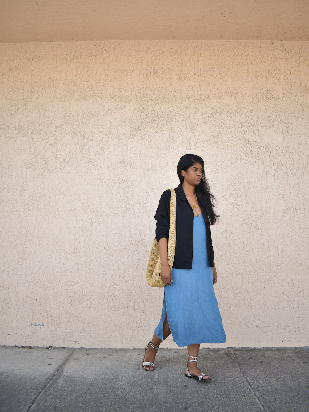 Loose Fit Dress // Week Of Outfits With Élan Byrd On The Good Trade