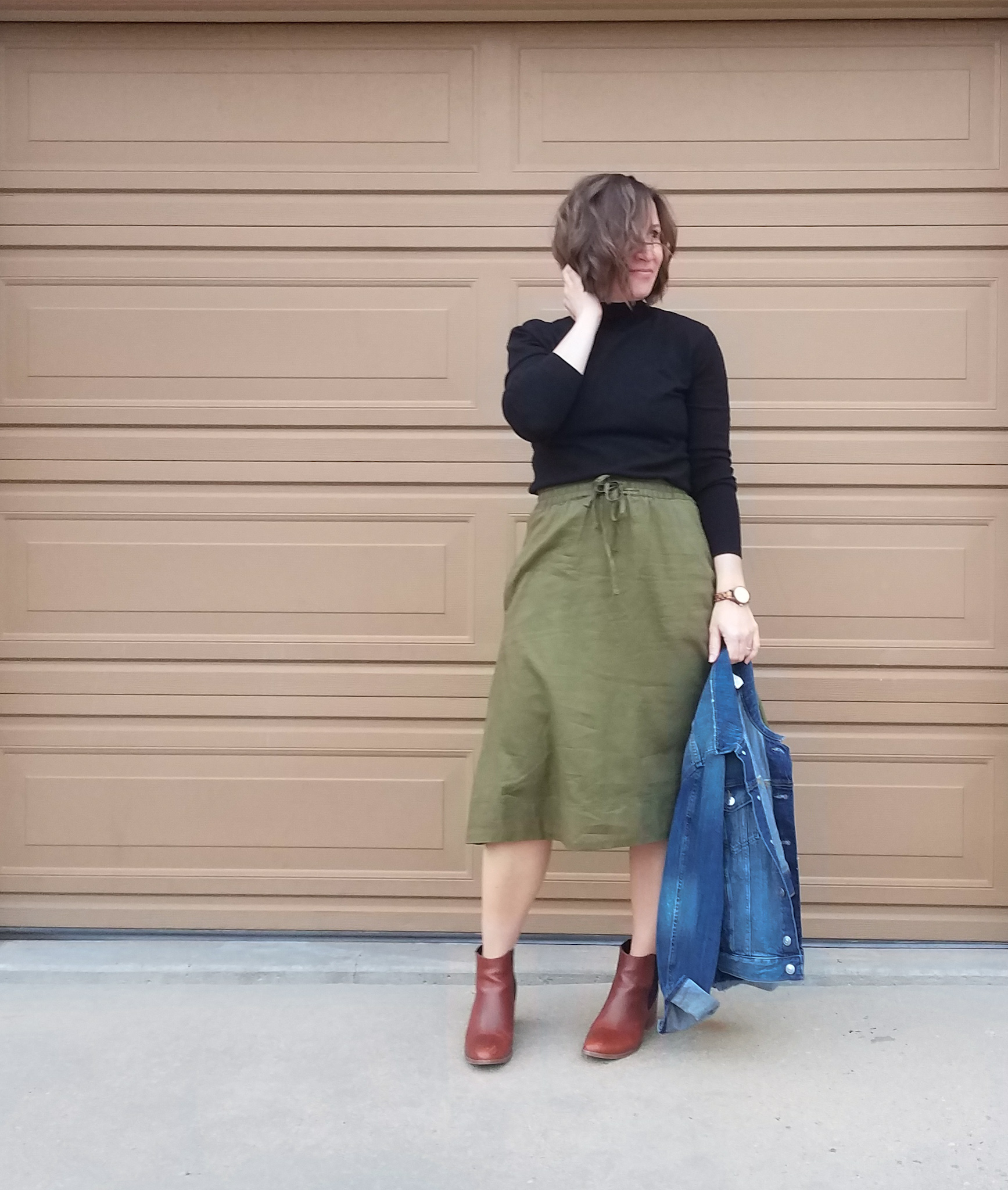 Casual Green Skirt Boots Look // Week Of Outfits With Paige Marchi On The Good Trade