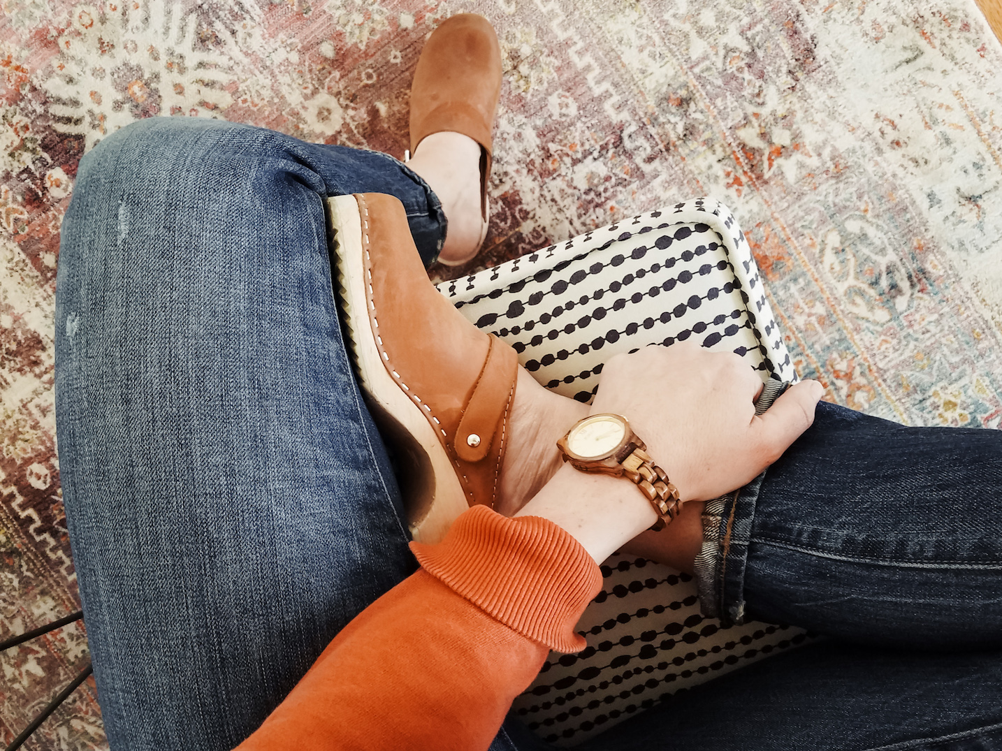 Casual Friday Clogs Look // Week Of Outfits With Paige Marchi On The Good Trade