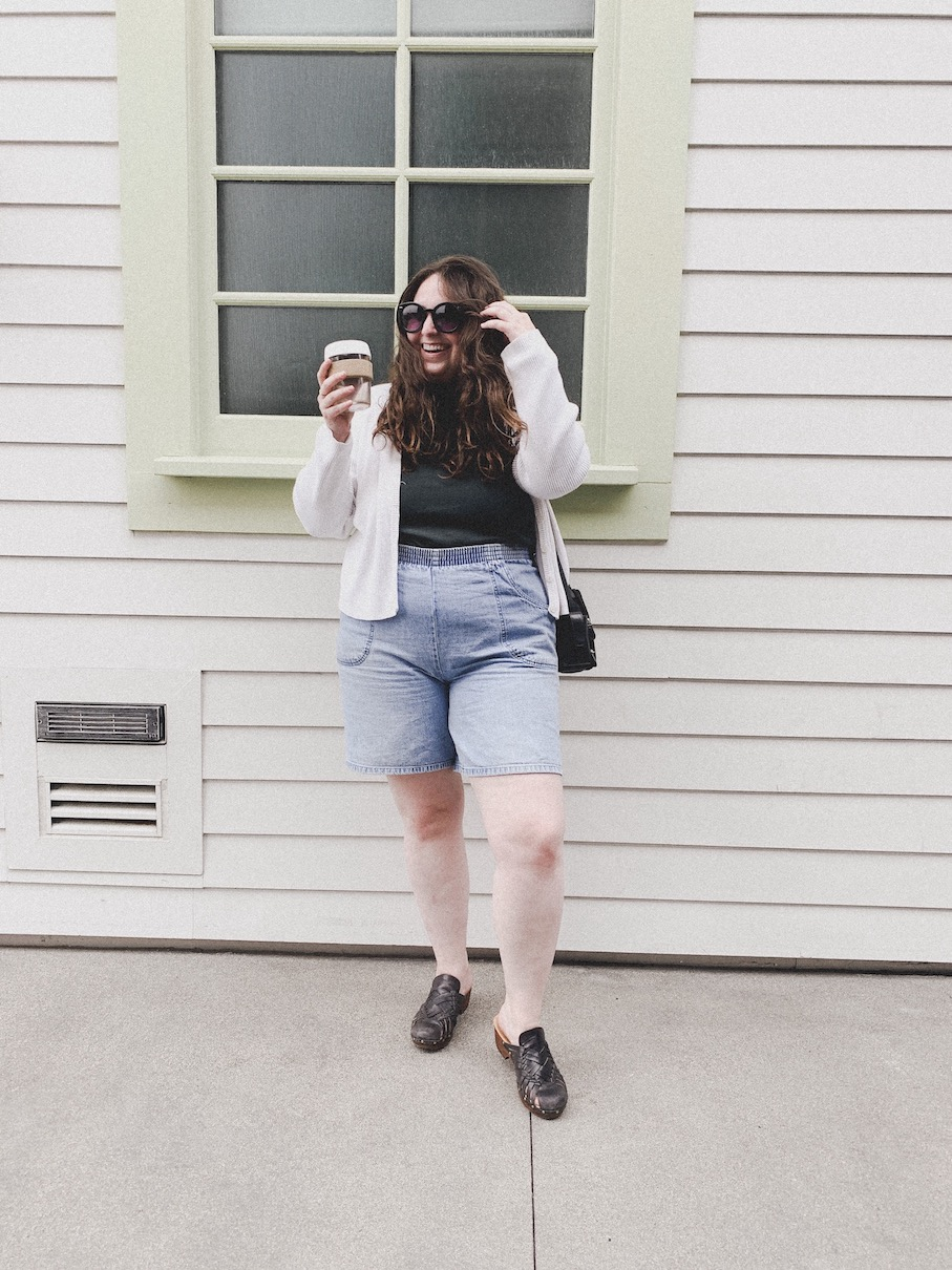 Minimalist Feminine Body-Positive Clothes // Week Of Outfits With Lauren Anderson Of Super BloomSuper Bloom