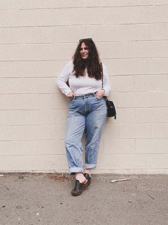 Minimalist Feminine Body-Positive Clothes // Week Of Outfits With Lauren Anderson Of Super Bloom
