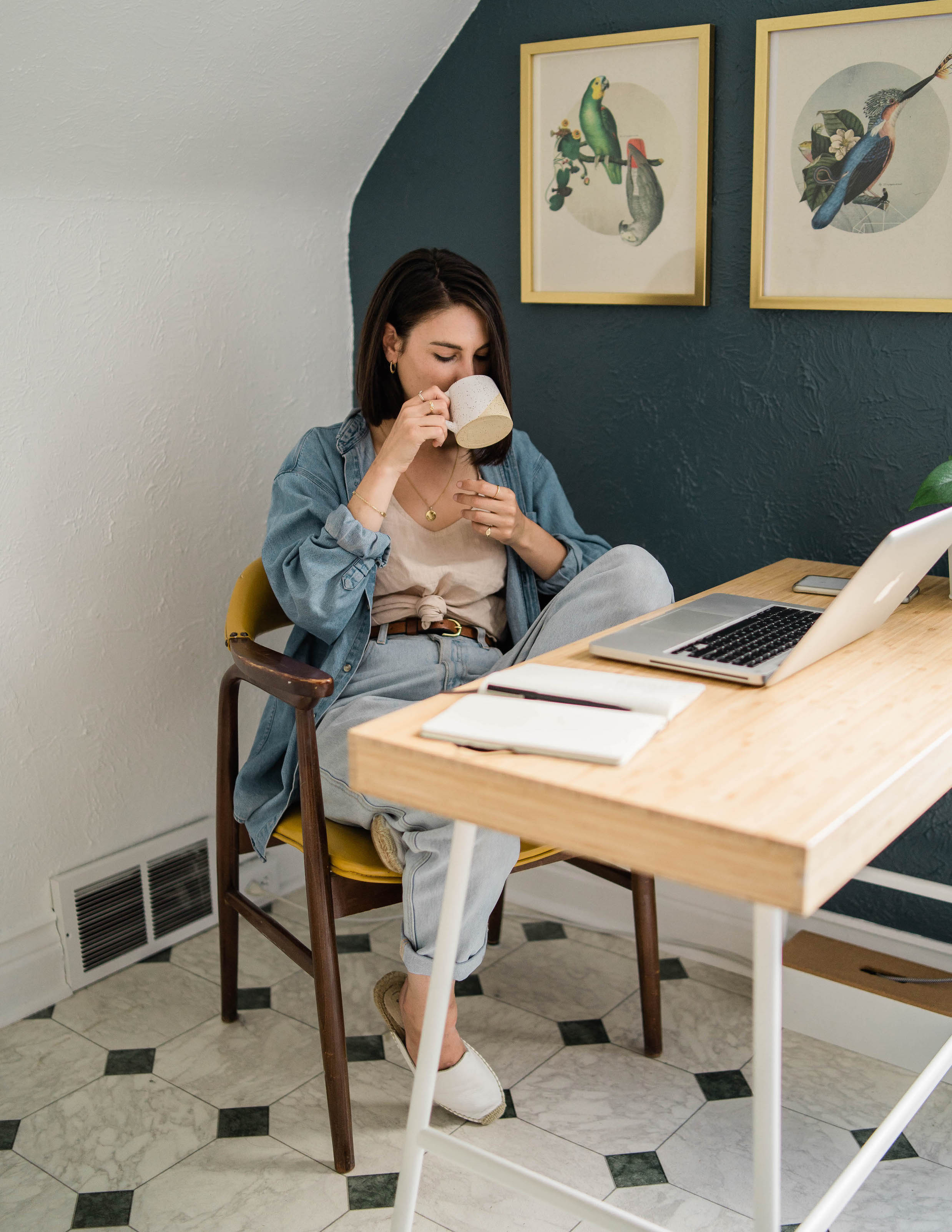 Work from home outfit idea // A Week Of Easygoing & Classic Outfits With Sara Brown From Petra Alexandra on The Good Trade