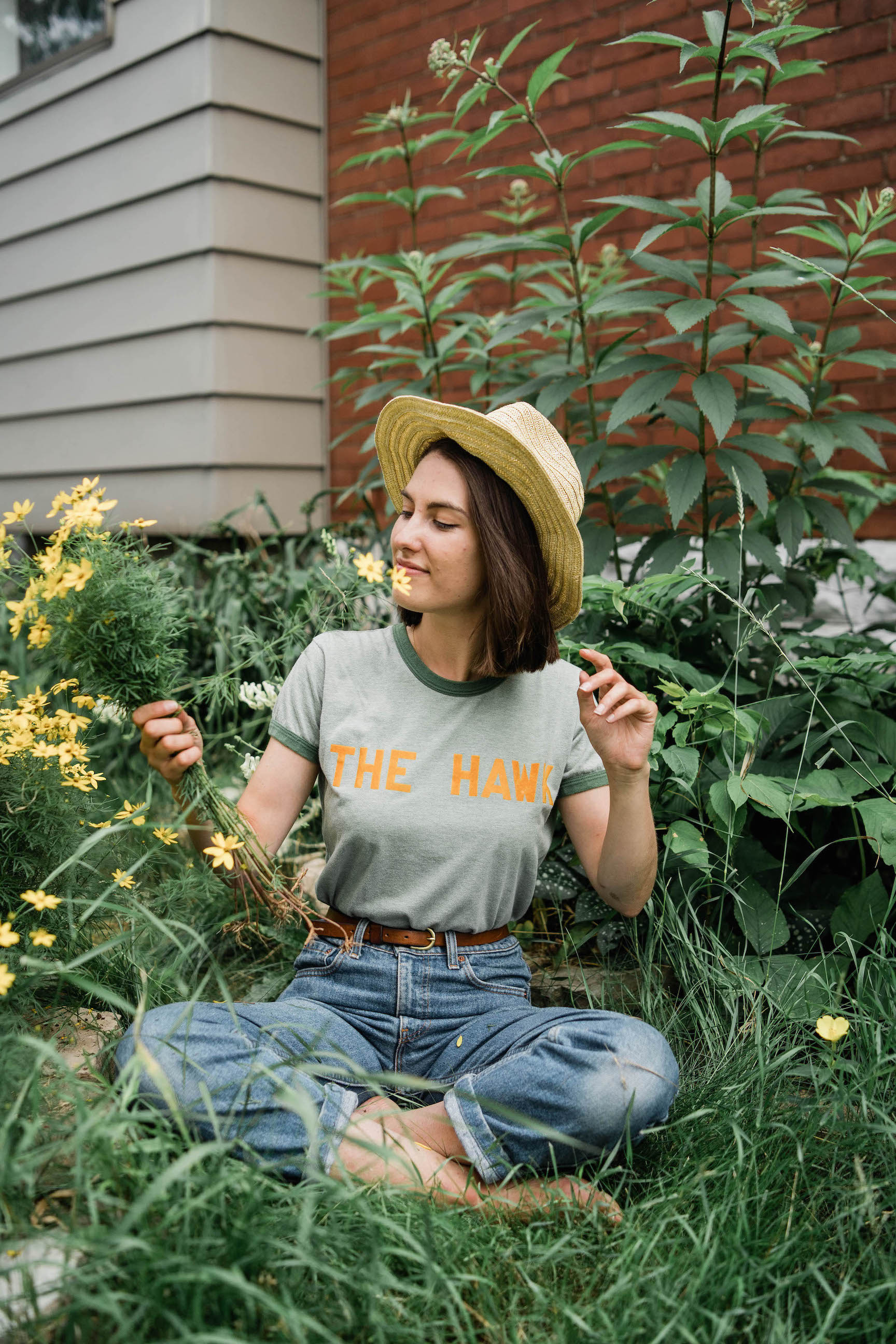 Vintage denim outfit idea // A Week Of Easygoing & Classic Outfits With Sara Brown From Petra Alexandra on The Good Trade