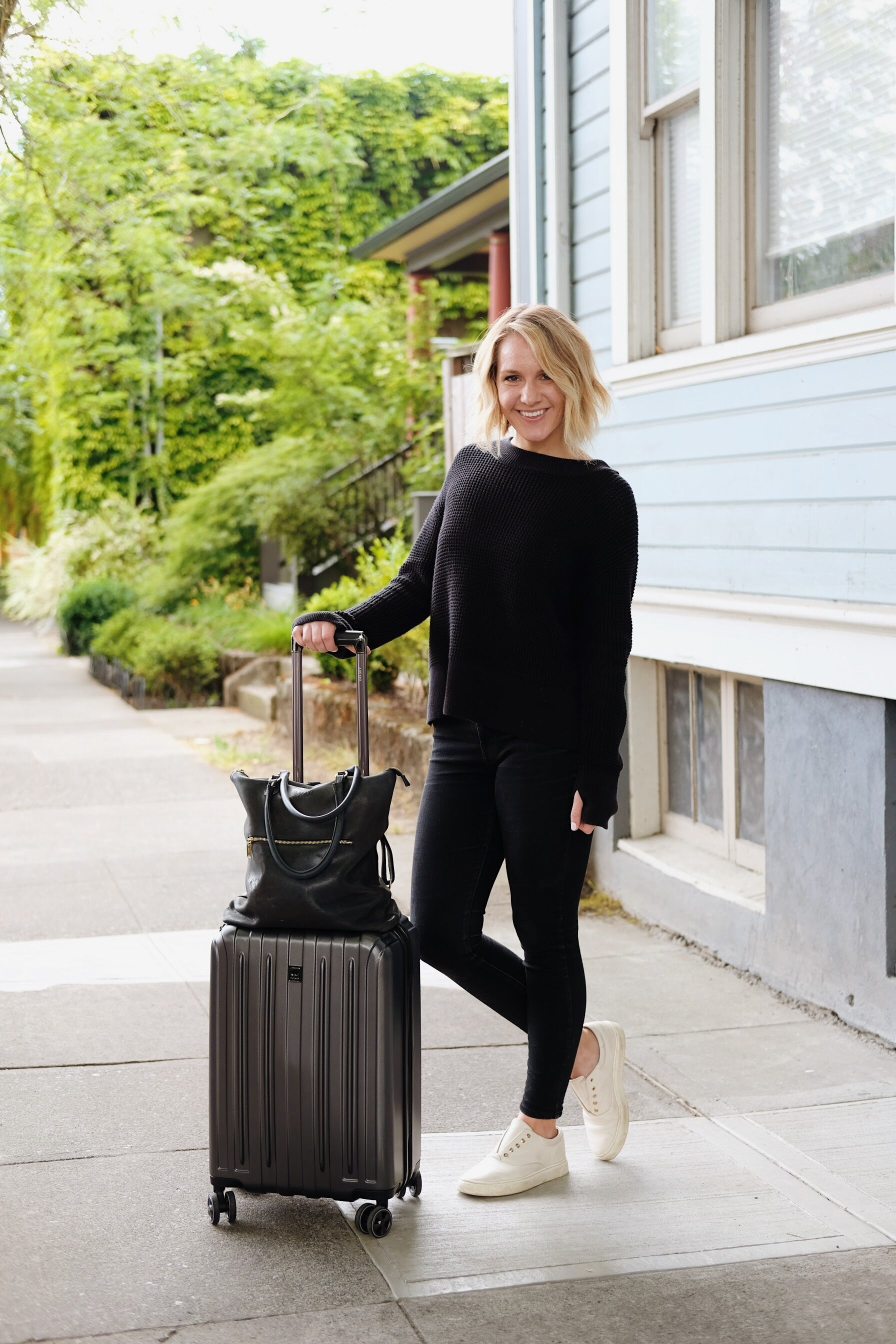 International travel outfit idea // A Week Of Minimalist Travel Outfits With Ellie Hughes From Selflessly Styled on The Good Trade