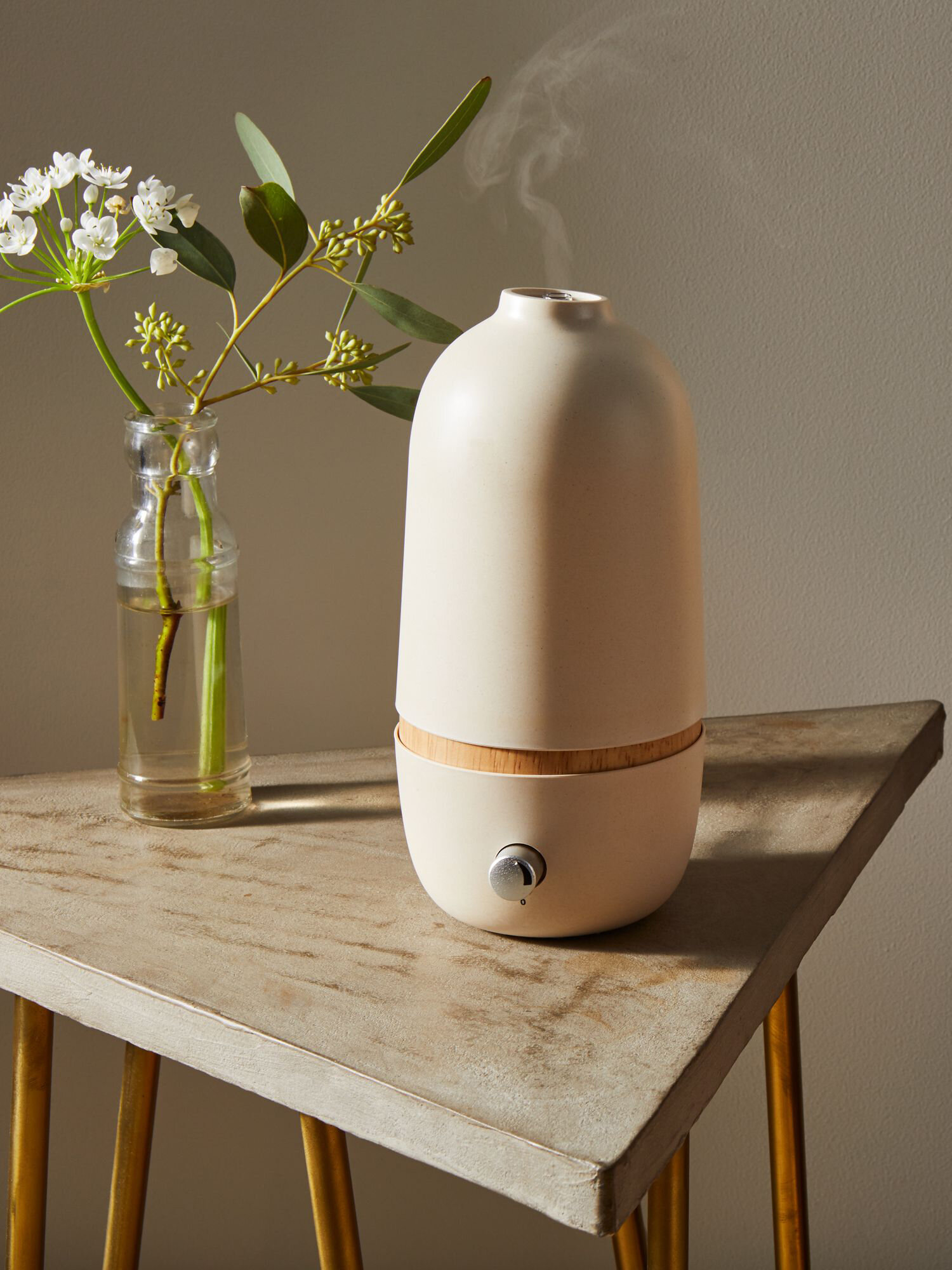 Our 5 Favorite Essential Oil Diffusers For A Soothing Home