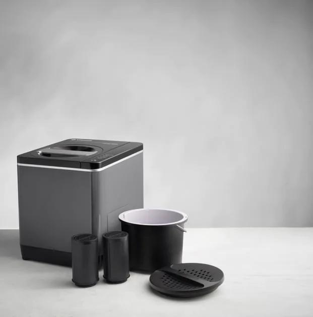 Vitamix-indoor-compost-bins