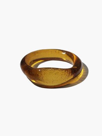 18 CLED-signet-ring-spring-capsule-wardrobe.jpeg