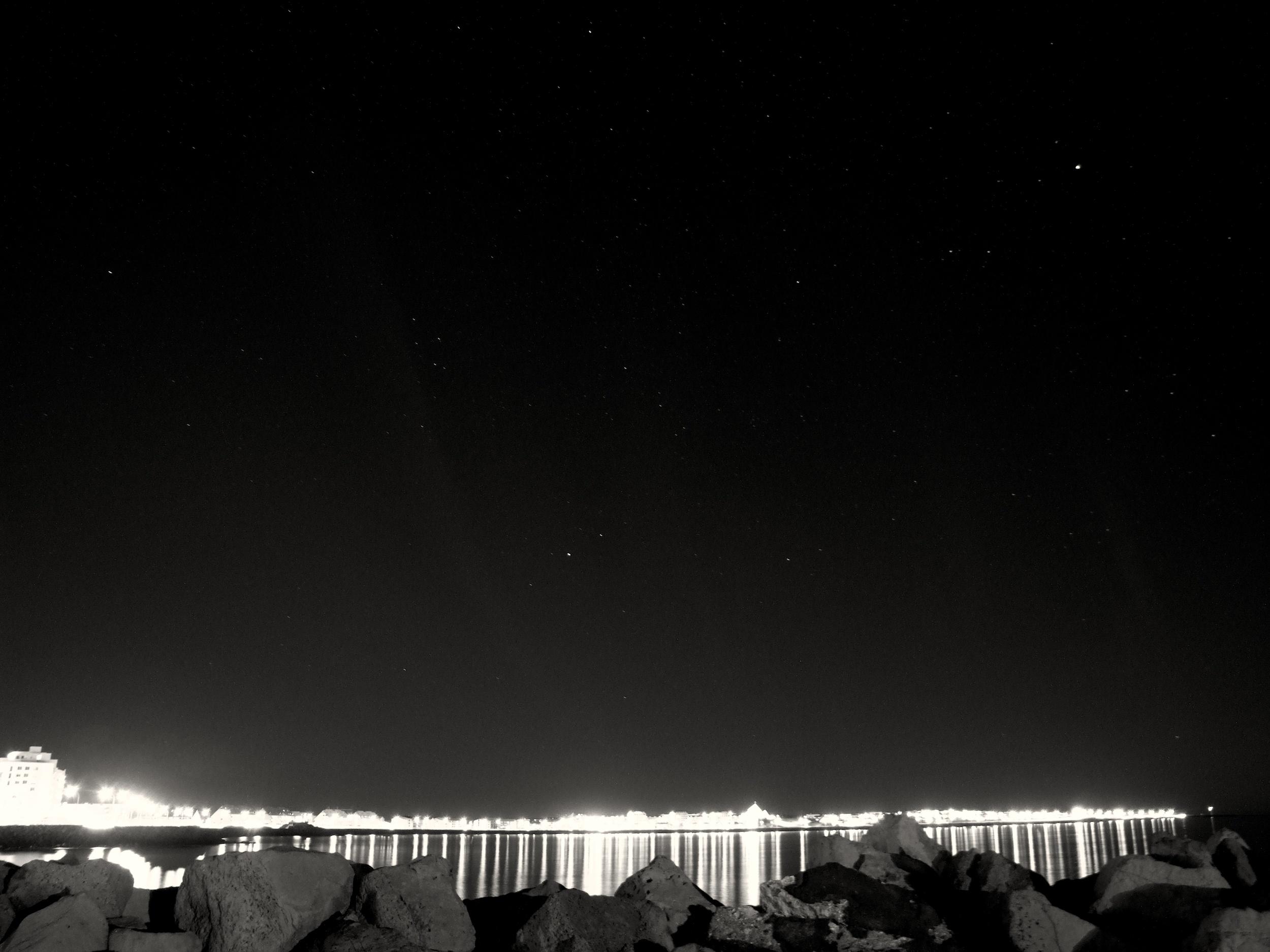 Reykjavík by Night.jpg