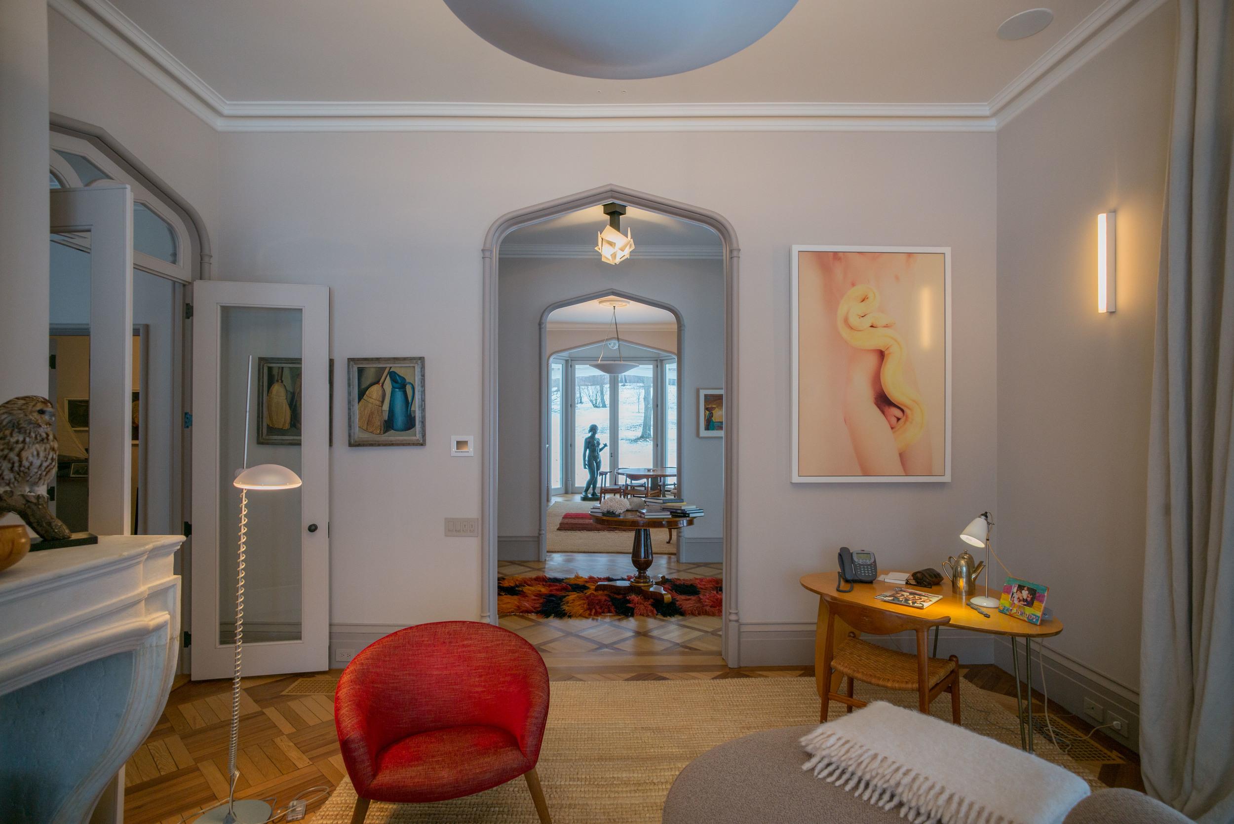 1840 house - living room 2.jpg