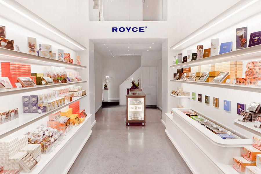 item3.rendition.slideshowVertical.chocolate-shops-04-royce.jpg