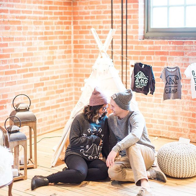 This glamping inspired baby shower shoot might be one of the cutest collaborations I've been a part of Ps @moderntipi I am pretty much obsessed with this mini tipi. I waaaaant one 😩@campbrandgoods these sweaters are a must add to my sons wardrobe 😍. What a beautiful shot @janiceleephoto 👌💕.