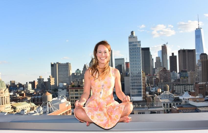 dina meditation head shot.jpg