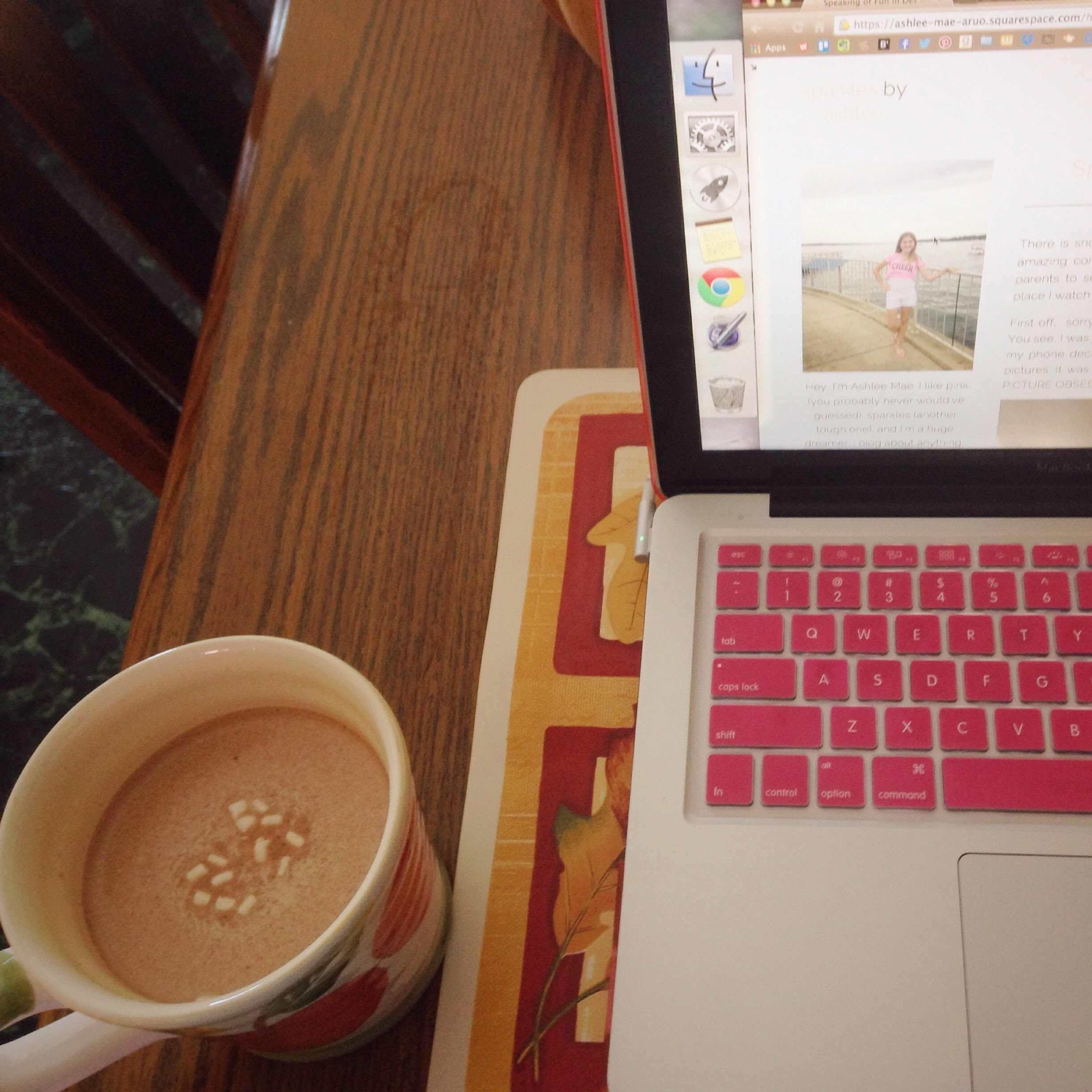 Blogging-and-Hot-Chocolate.jpg