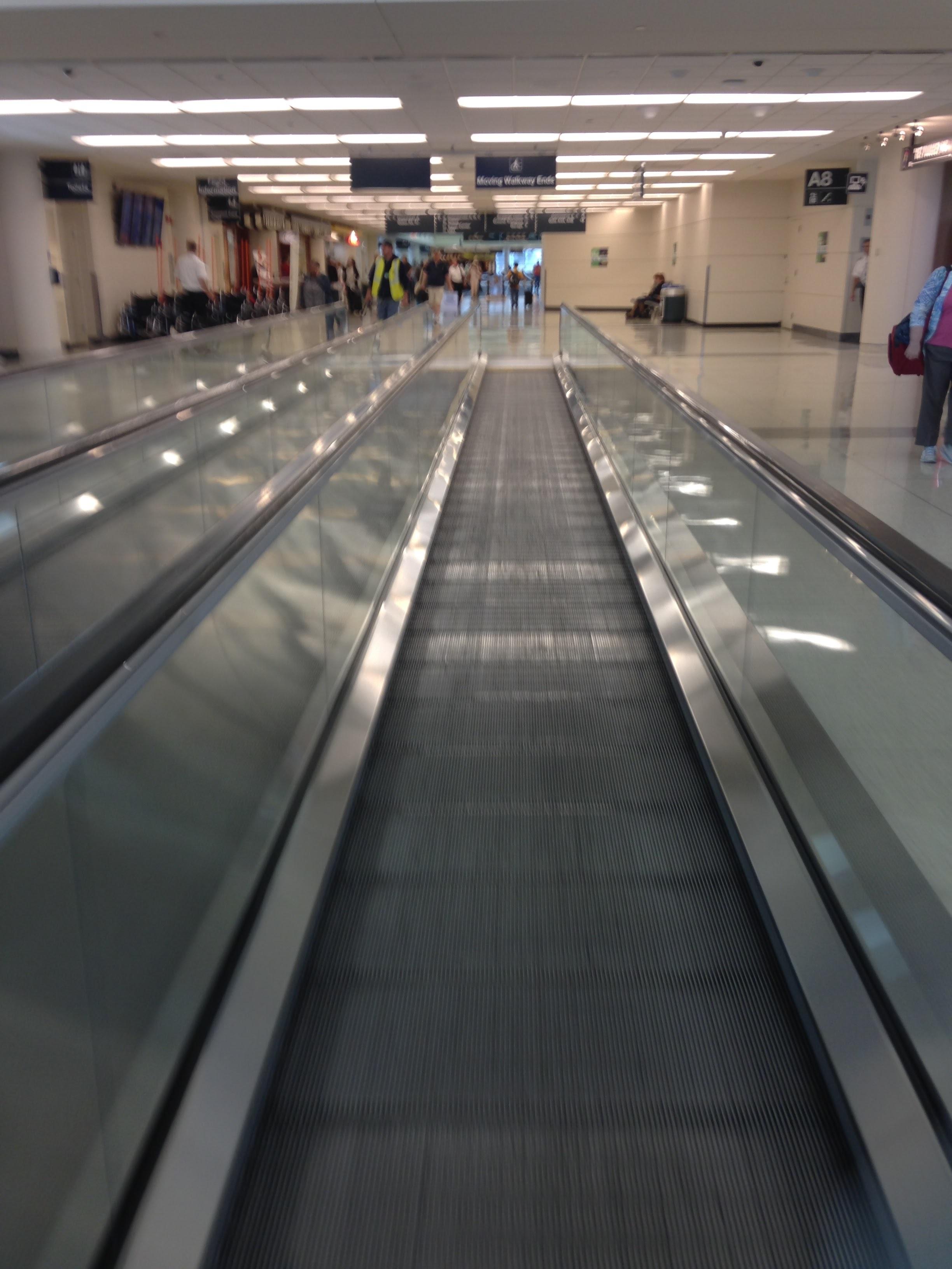 Airport-Moving-Sidewalks.jpg