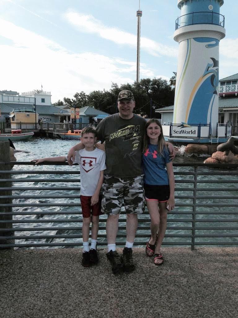 Ashlee-Daddy-SeaWorld-Entrance.jpg