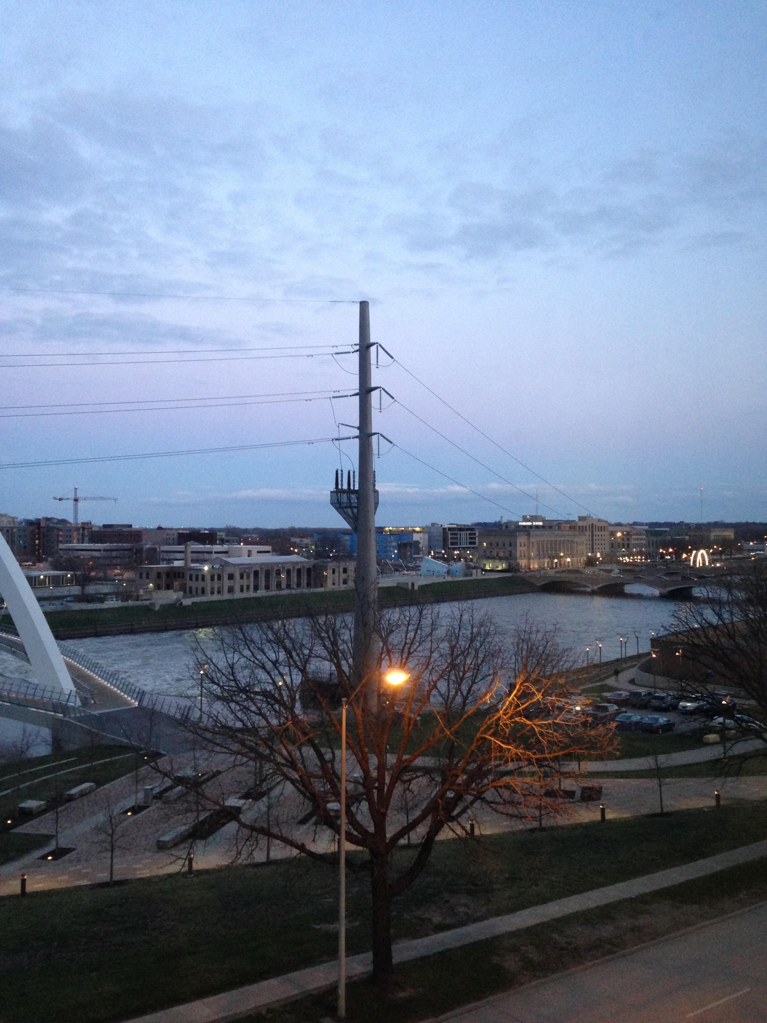 Des-Moines-River-and-Lights.jpg