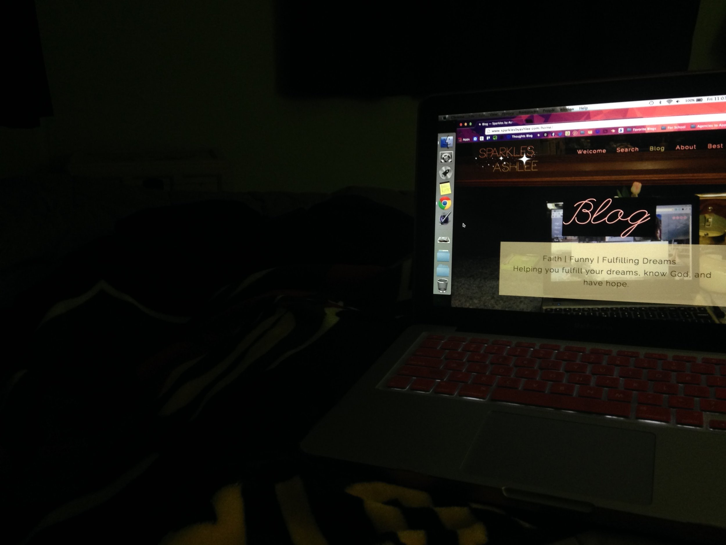 Laptop-Bed.jpg