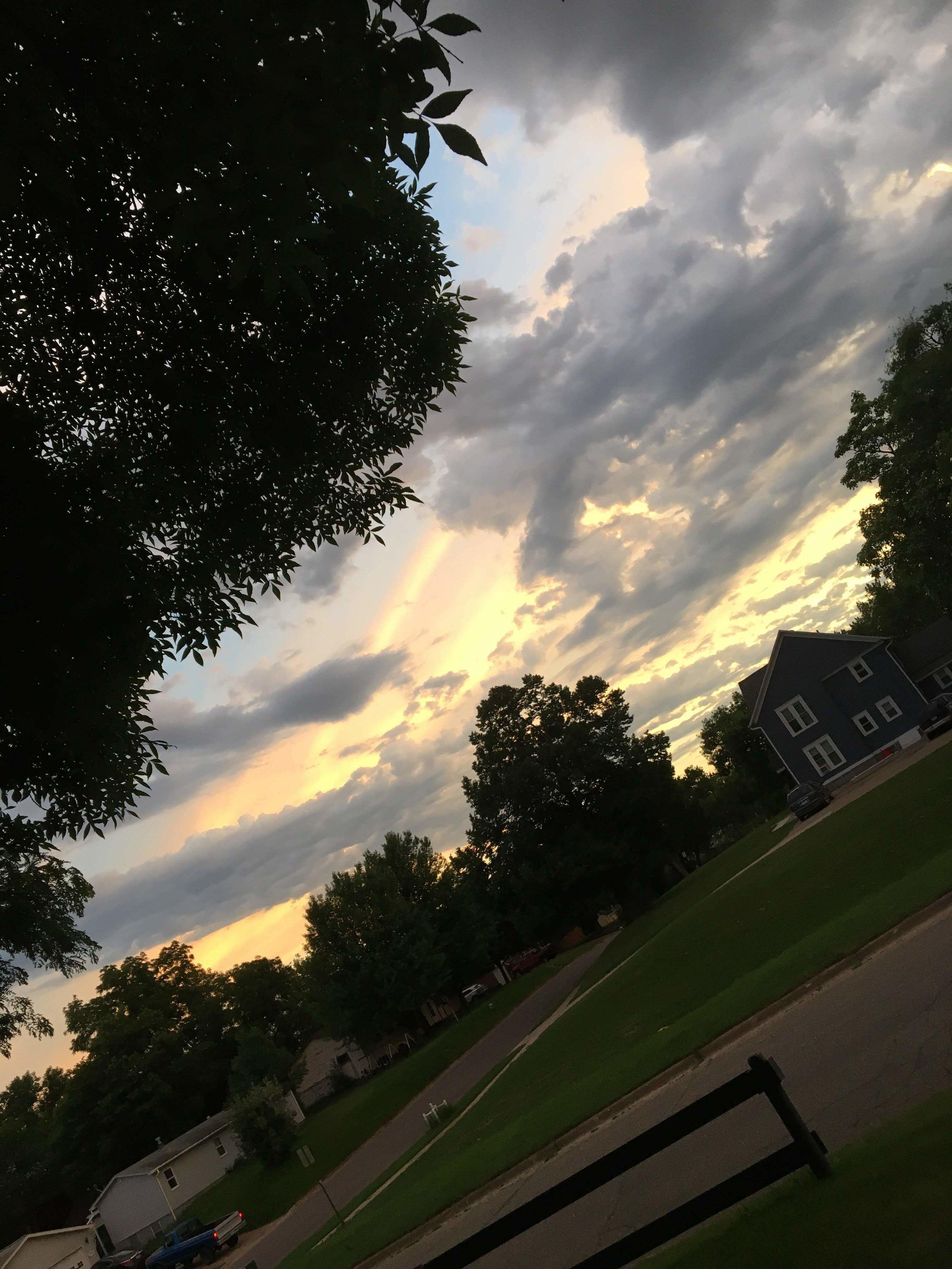 estherville-iowa-sunset.jpg
