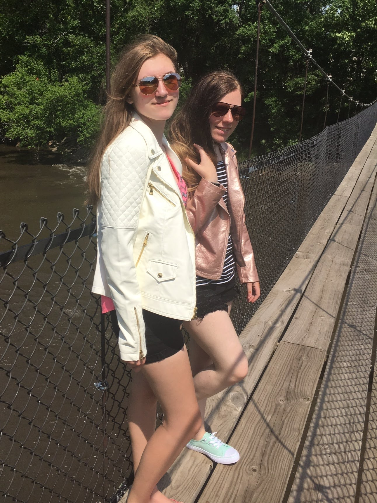 ashlee-kirsten-swinging-bridge-estherville.jpg