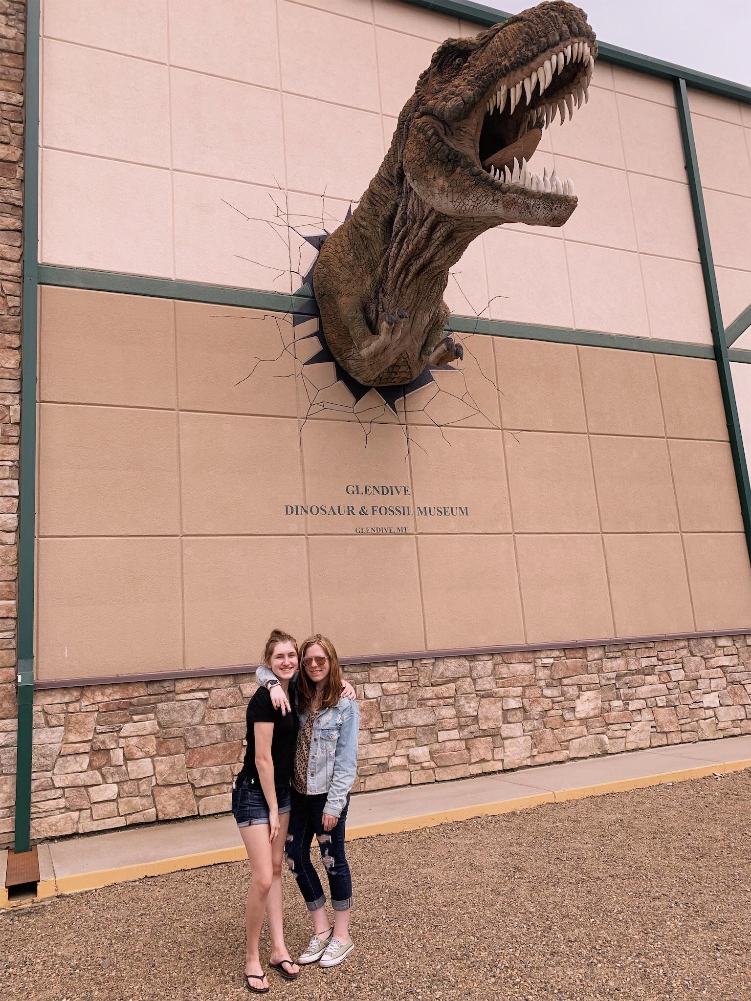 ashlee-kirsten-glendive-dinosaur-museum.jpg
