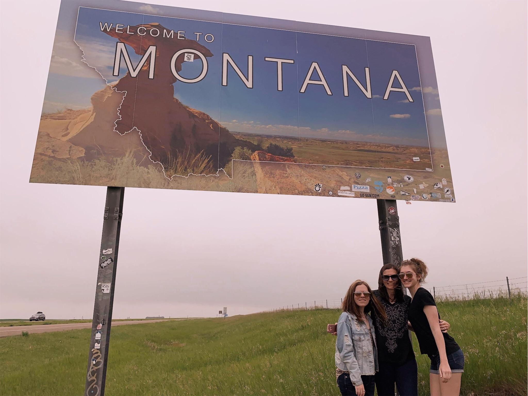 girls-montana-sign.jpg