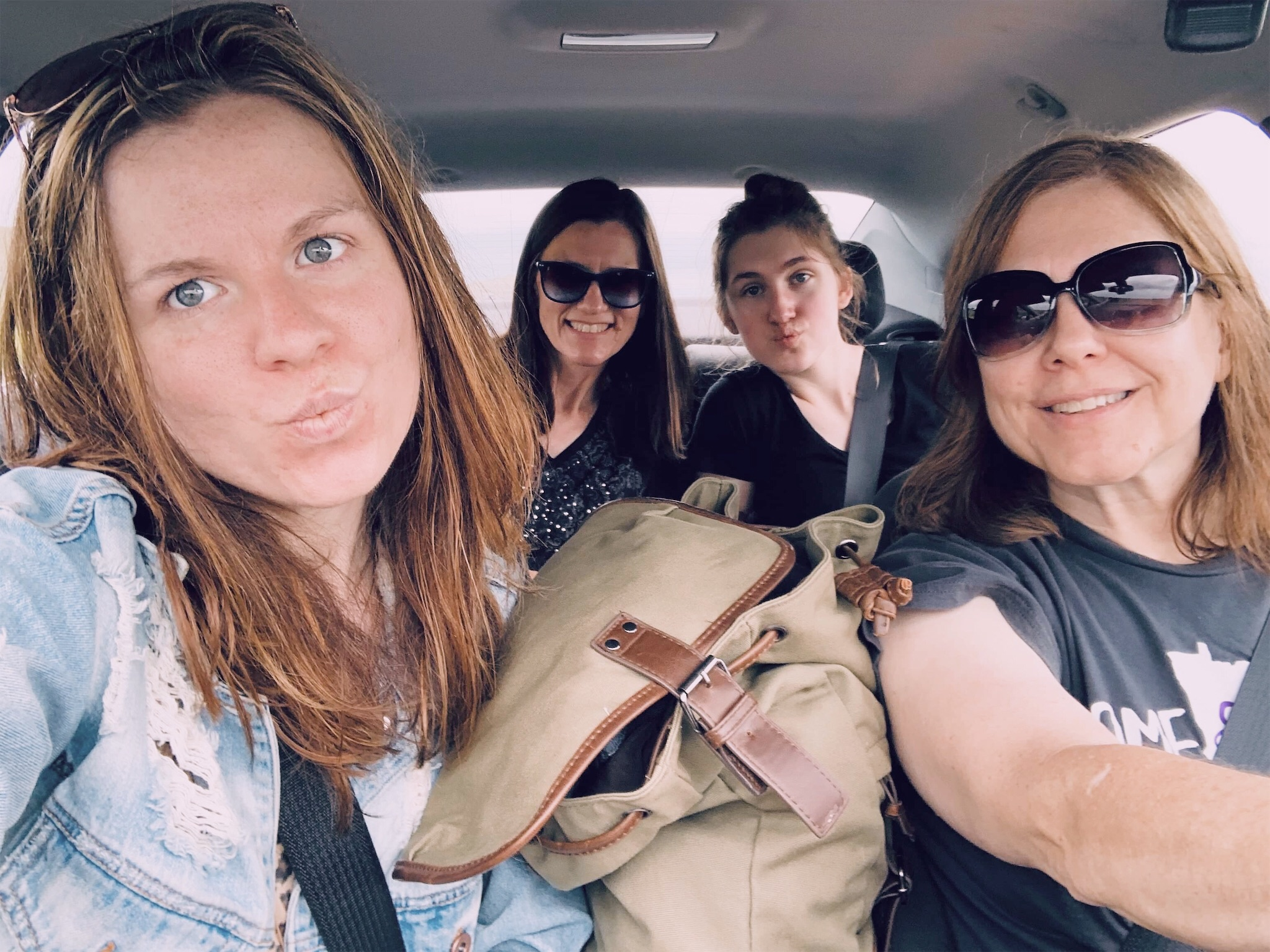 girls-road-trip.jpg