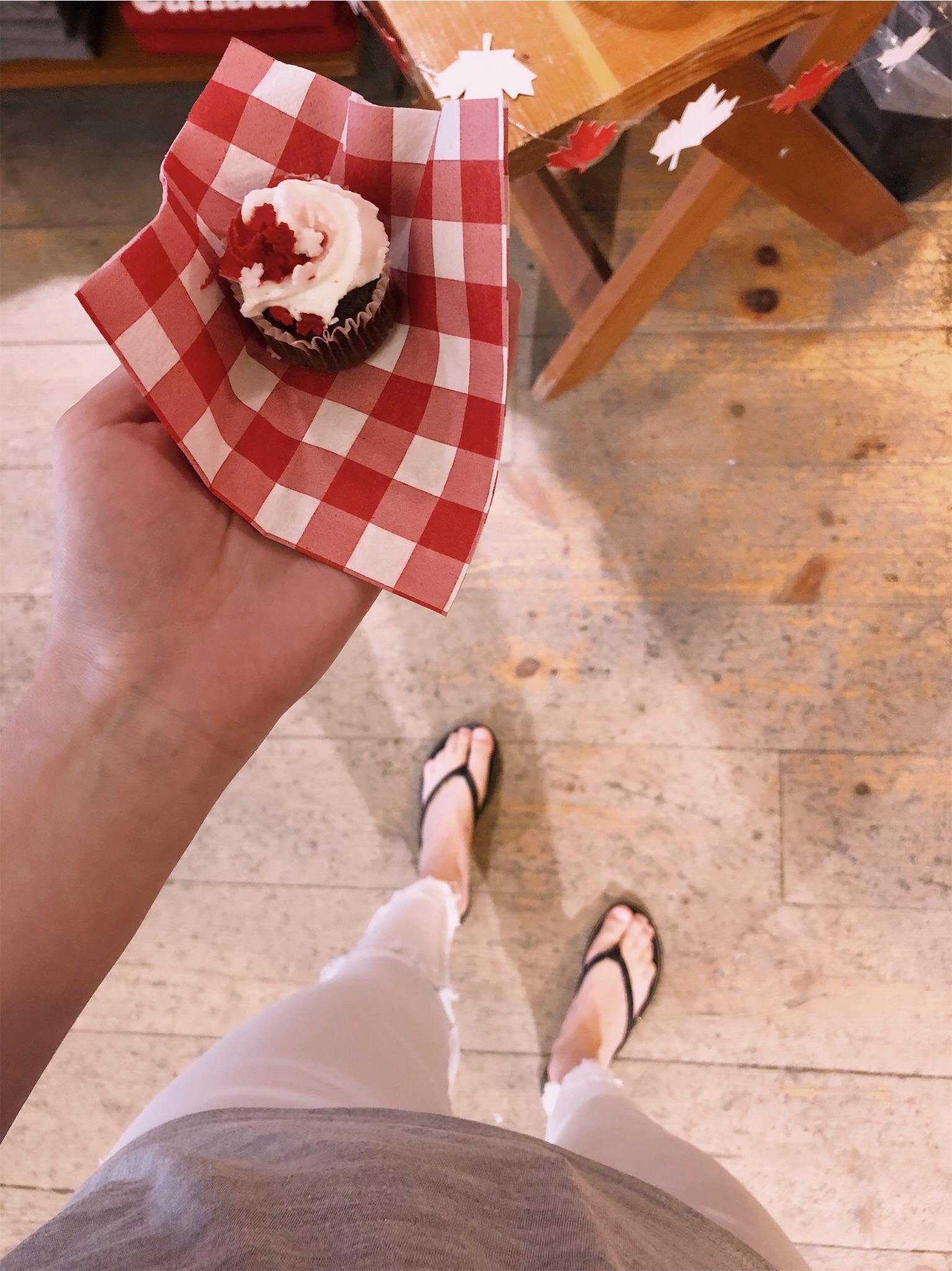 canada-day-cupcake.jpg
