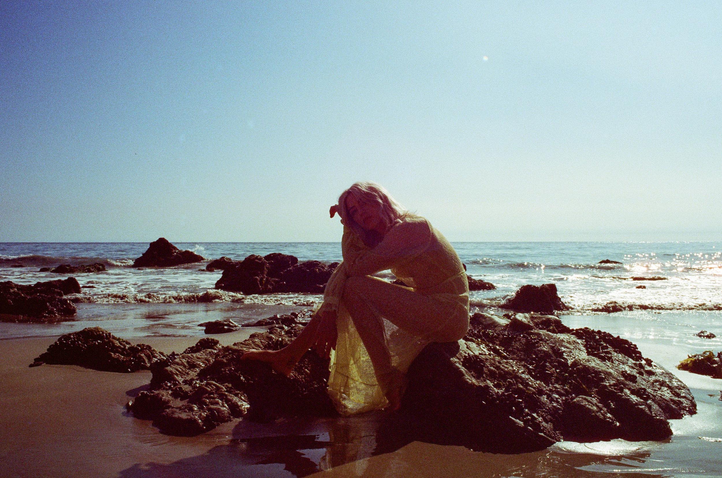 AliciaChandlerCo_EmilyLanders_Malibu_Vintage-13.jpg