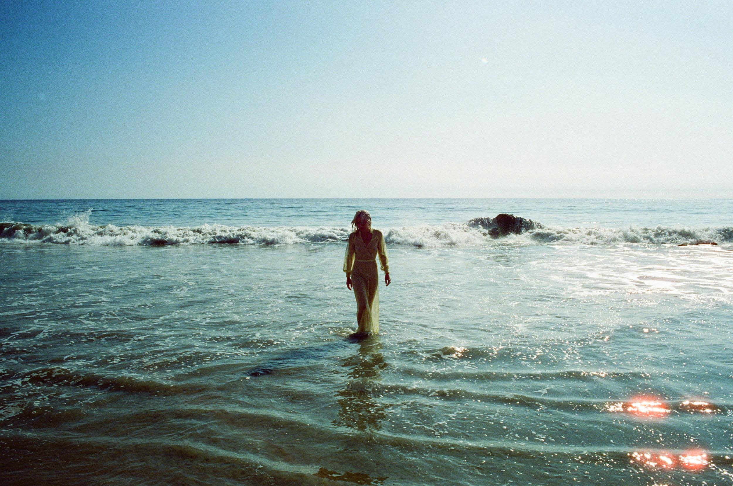 AliciaChandlerCo_EmilyLanders_Malibu_Vintage-28.jpg